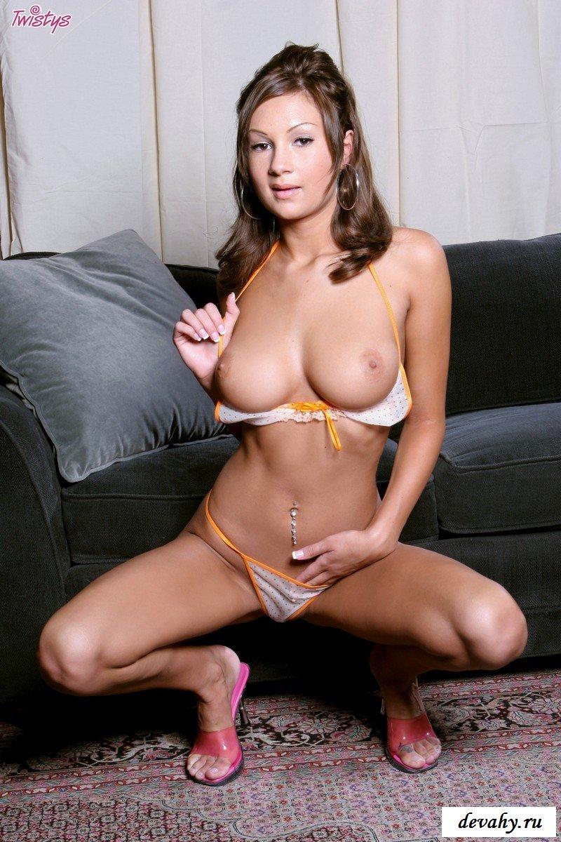 Модель желает в жопу секс фото
