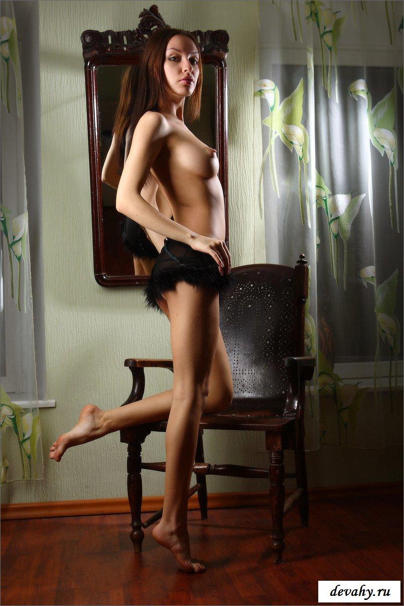 У стройняшки отличные сиськи смотреть эротику