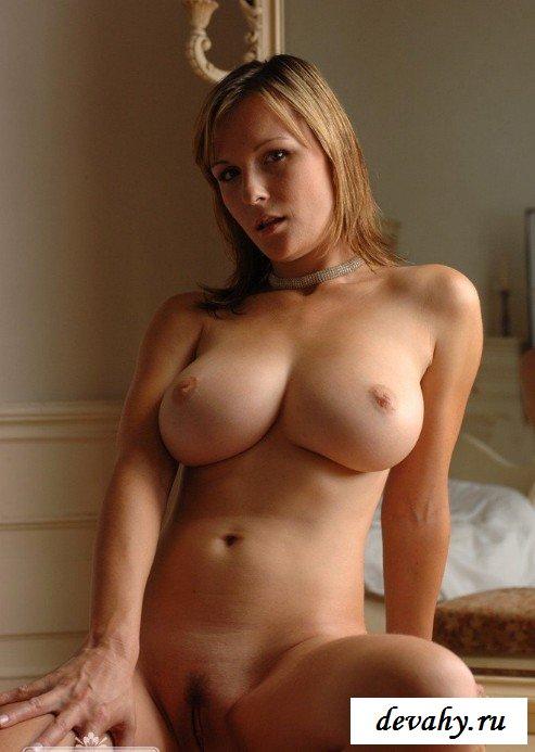 Похотливая грудь барышни