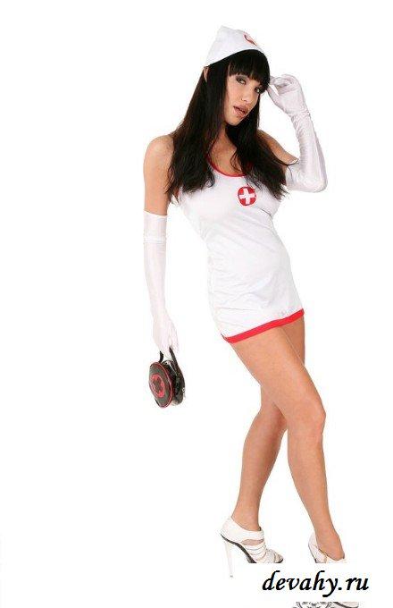 Сексапильная пилотка медсестры