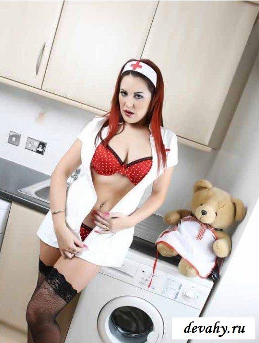 Крупные груди медсестры
