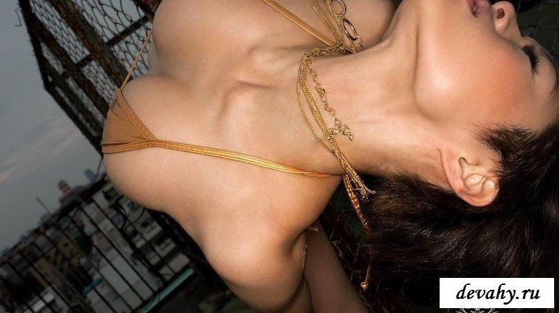 Роскошная грудь японочки секс фото