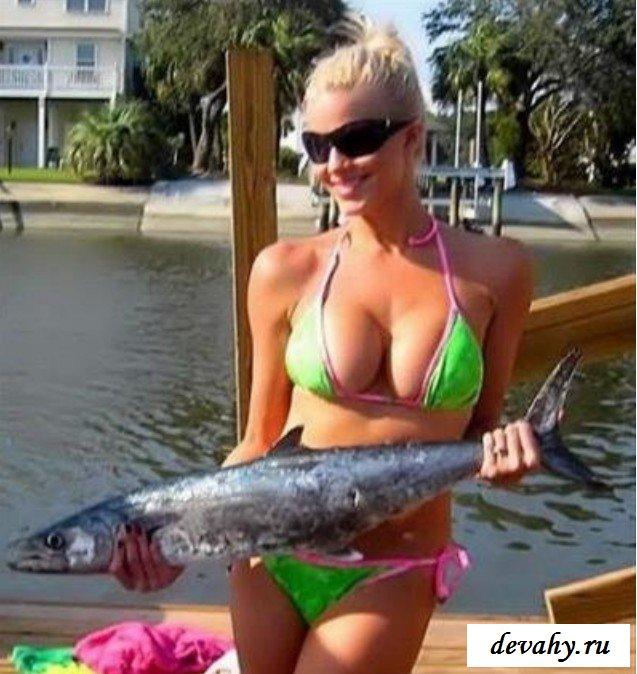 Девки в трусах на рыбалке