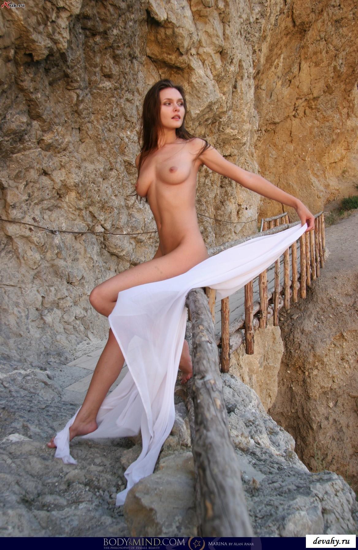 Сладюлечка сняла одежду на террасе