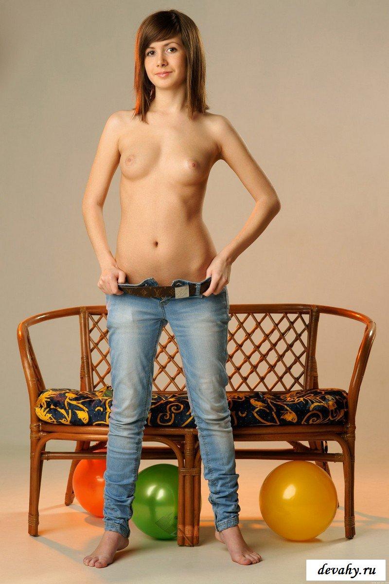 Идеальная телка с шариками секс фото