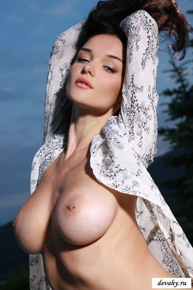 Мисс большая обнаженная грудь, порнуха самые секс украина