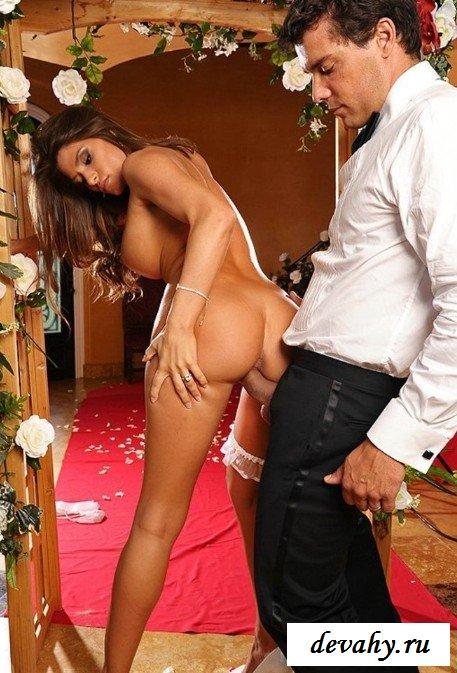 Невеста сосет хуй  мужа