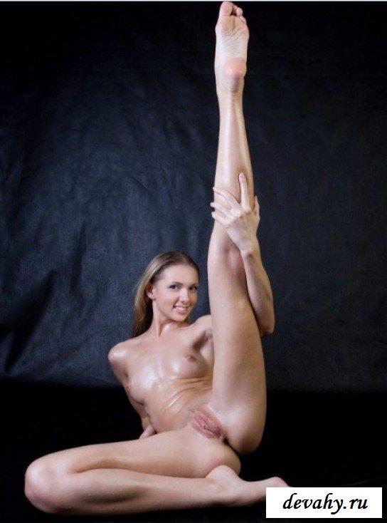 Упражнения голой гимнастки