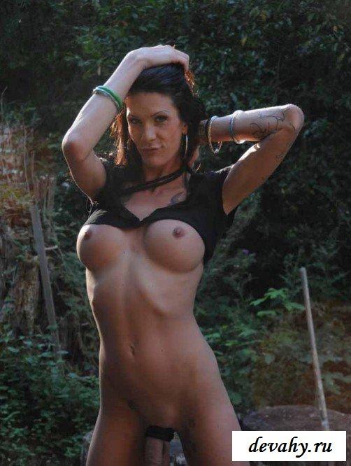 Большие сиськи трансвестита