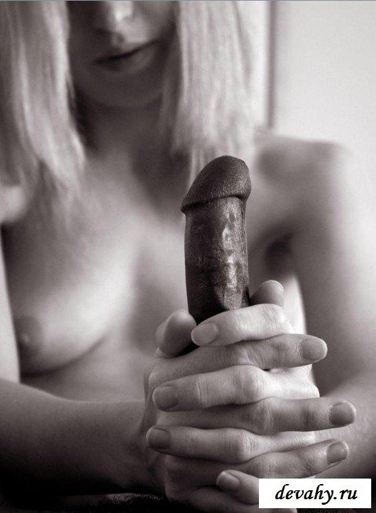 Минет черного фаллоса девахой секс фото
