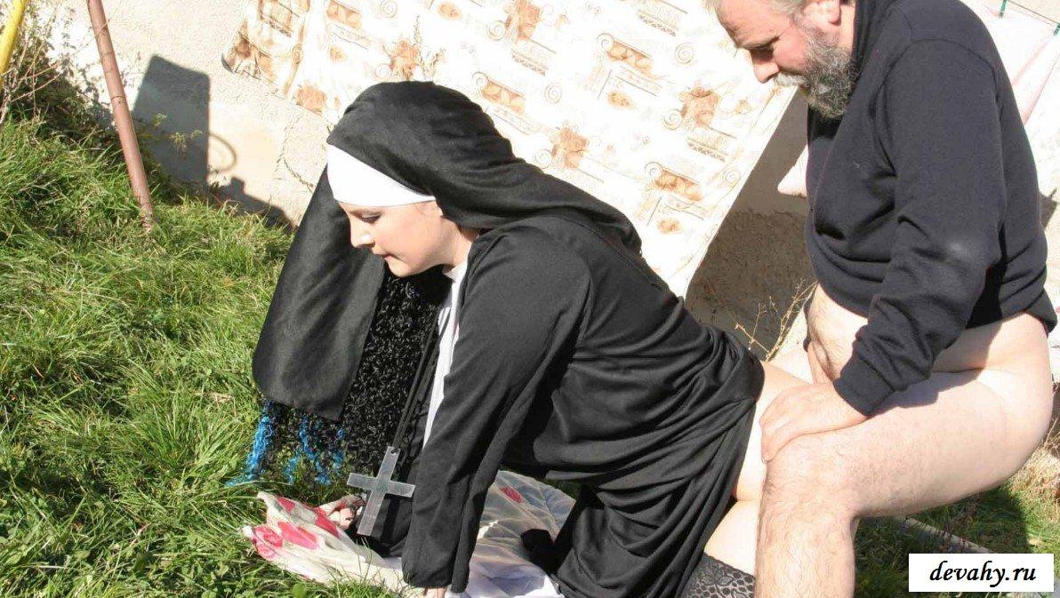 Эротика о монастырях, Наказание (Похотливые монахини в монастыре) 17 фотография