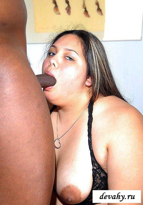Африканец выеб толстуху