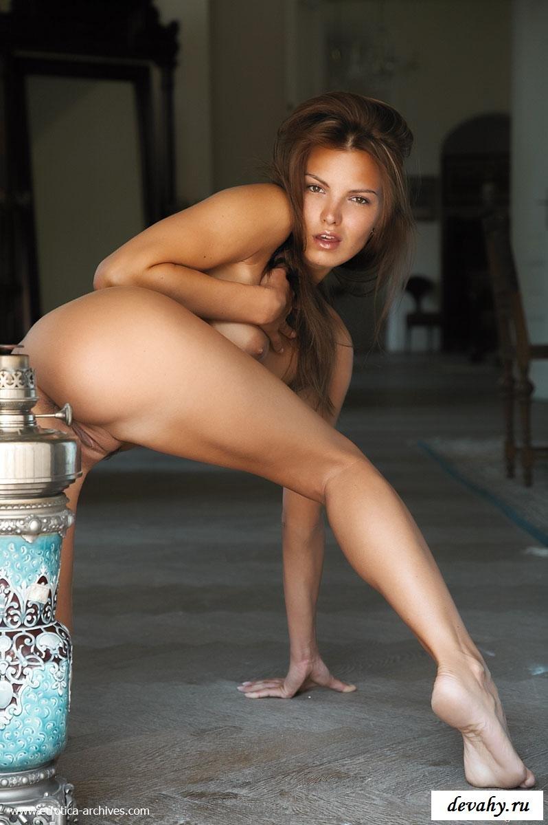 Голая волшебница и амфора секс фото