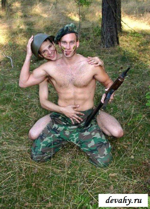 Гей порно на фото в армии