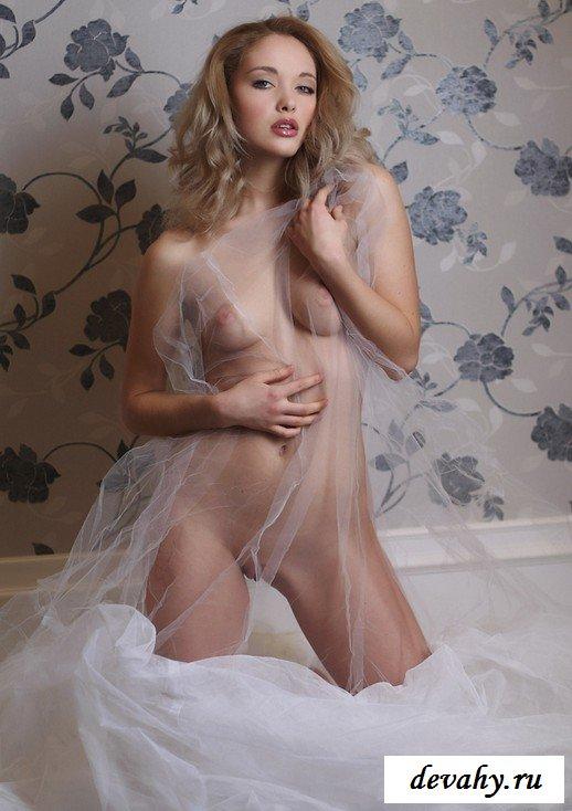 Деваха в свадебное платье