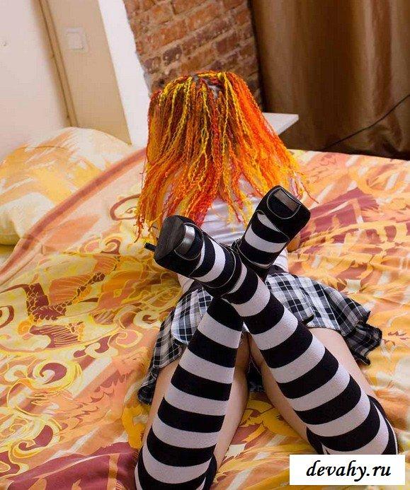 Сучка с оранжевыми волосами
