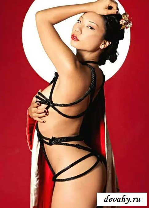 Сиськи модели Hiromi Oshima