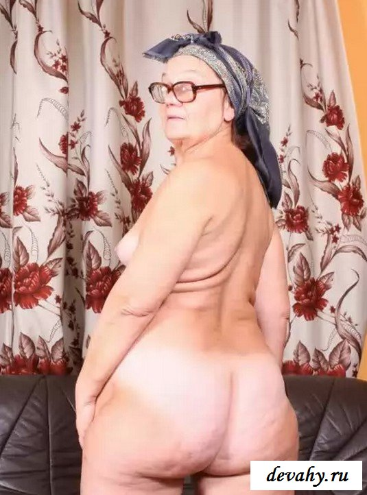 Секс с цыганкой на газоне коридоре диване