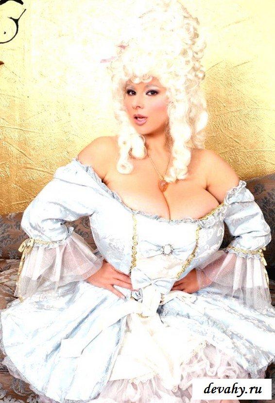 Chloe Vevrier порно звезда