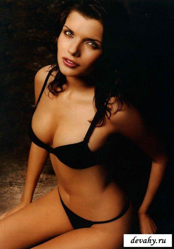 Соблазнительная Азарова Аня в фотосессии секс фото