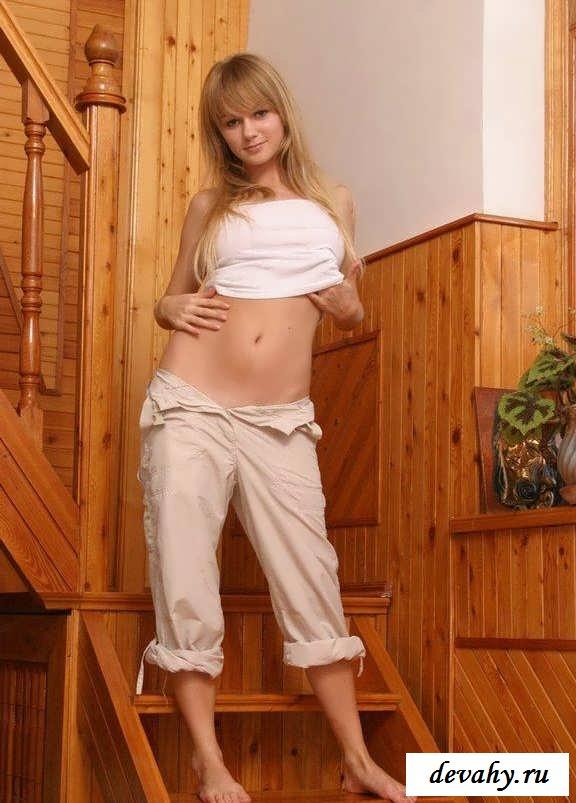 Здоровая грудь молодой девочки (15 фото)