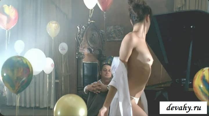 Раздетая Елена Подкаминская в кино и жизни