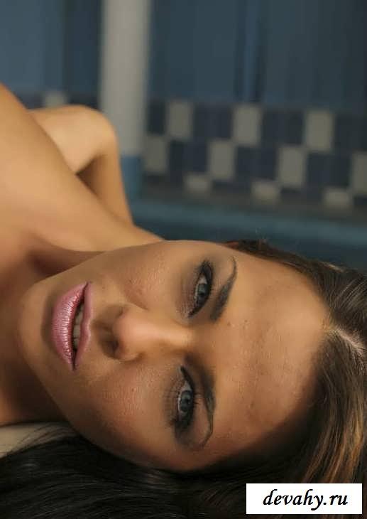Красивая вагина хорошенькой девочки (Фото для взрослых) смотреть эротику