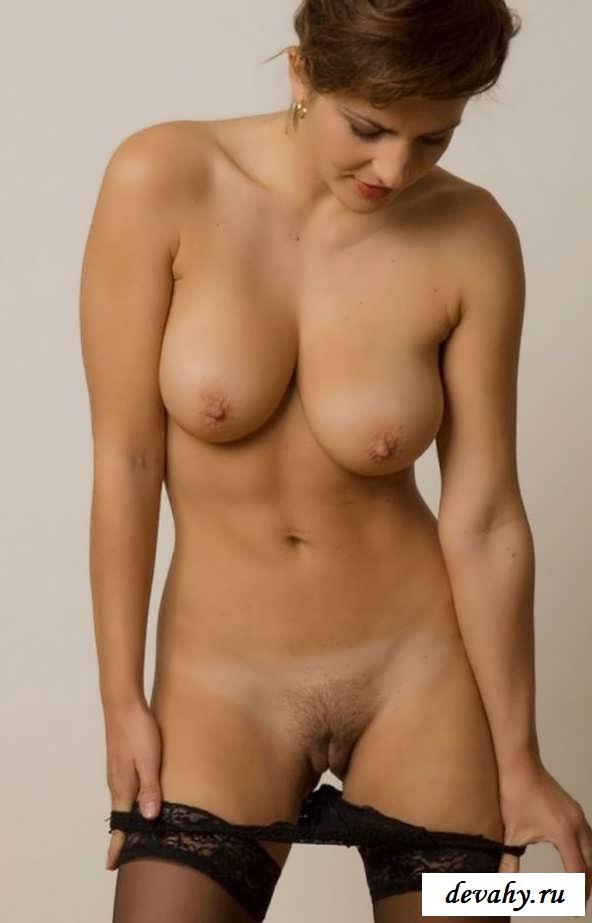 Раздетые зрелки с изящными грудями