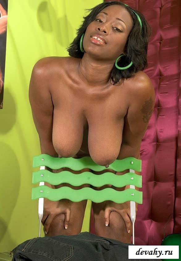 Шикарный анус барышни с большими грудями (16 фото эротики)