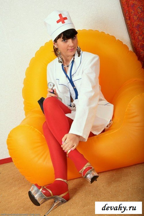 Санитарка организовала стриптиз для пациента