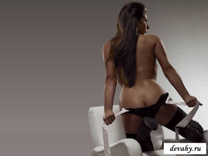 Большие буфера Lucy Pinder (15 эротических снимков) секс фото