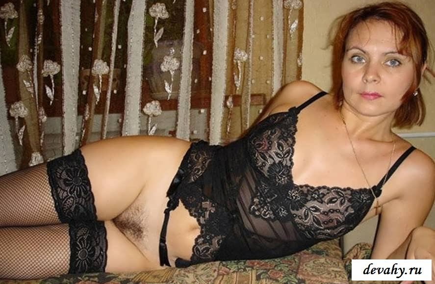 Приличная вульва соблазнительной сучки  (порнушка)
