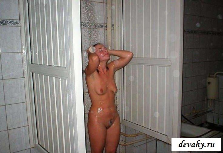 Письки моющихся баб в бассейне (17 фото эротики)