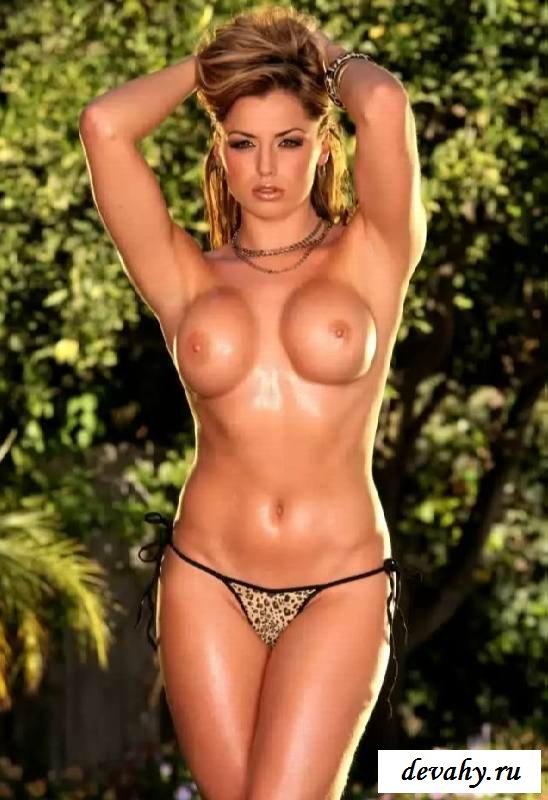 Здоровый бюст сексапильной сестры (эротика) секс фото