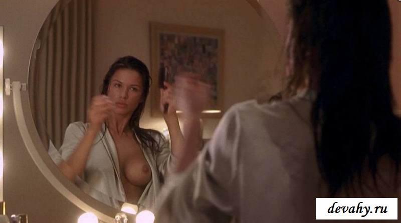 Сексуальная актриса Рона Митра (15 фото эротики)