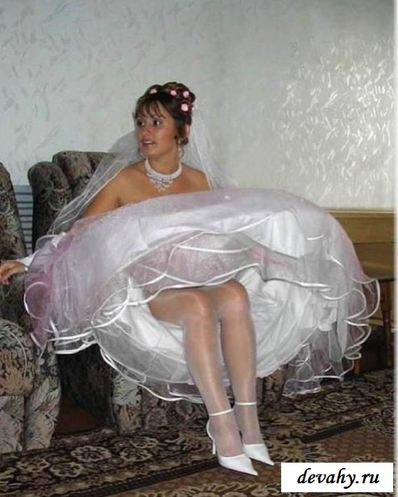 Обнаженные девчонки готовятся к свадьбе (эротика)