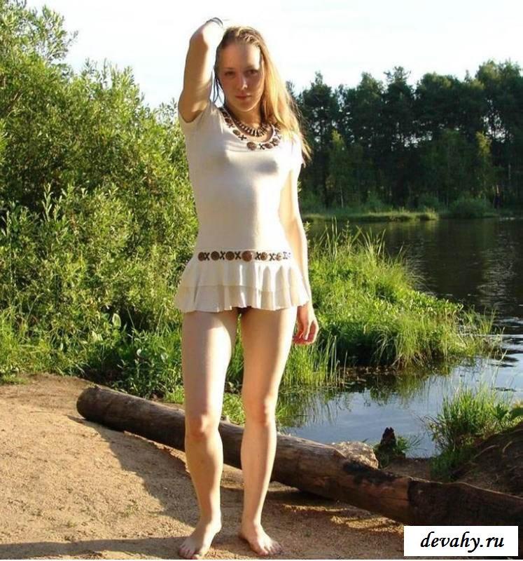 Обнаженная девушка в тигровом купальнике  (16 пошлых изображений) секс фото