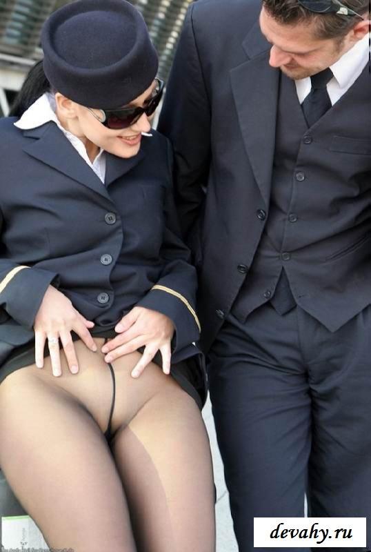 Чистенькая писька раздетой девки в колготках (эротика) секс фото
