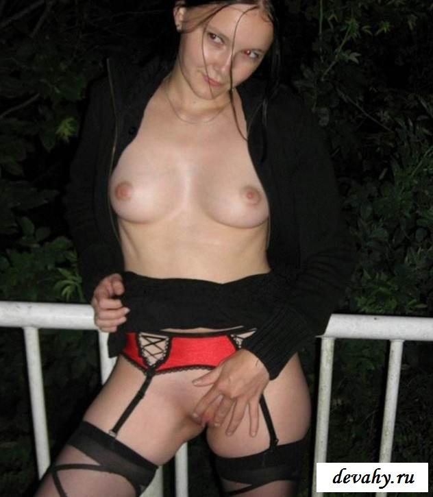 Соблазнительная внешность обнаженной чиксы (порнография)