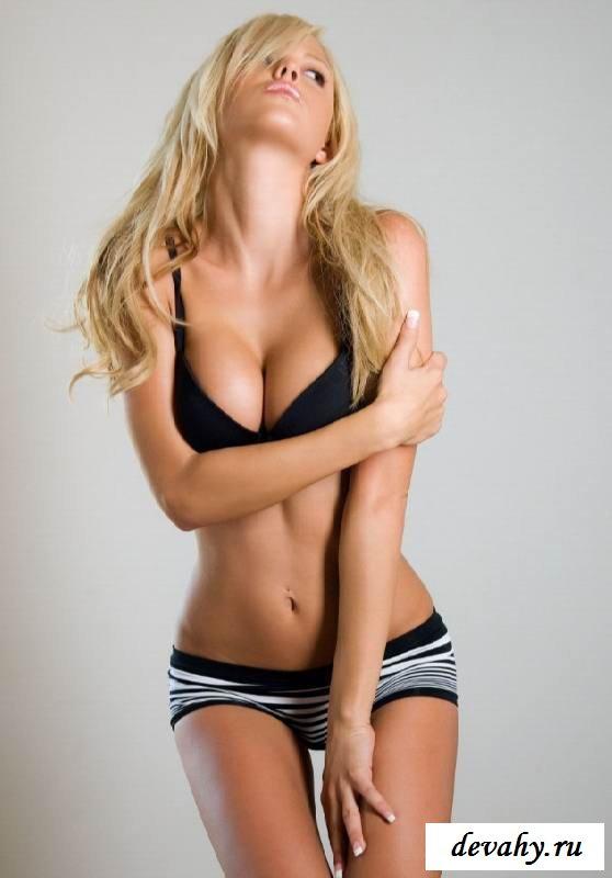 Классная вагина раздетой Lindsay Marie (16 фото эротики) смотреть эротику