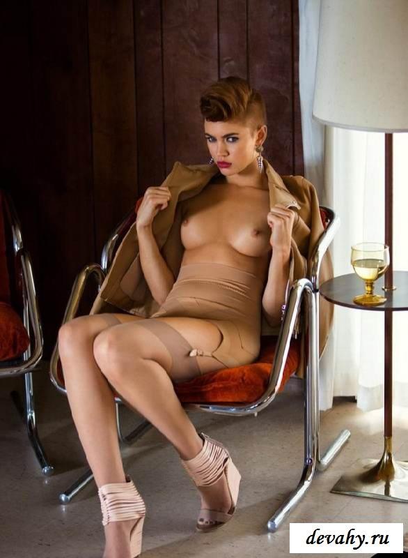 Красивые сиськи Britt Linn  (клубничка)
