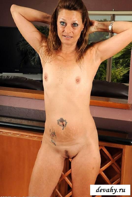 Сморщенные гениталии пожилой мамзель (16 фото эротики)