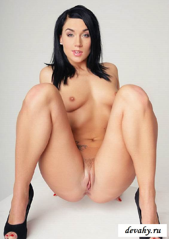 Супер туловище голой бизнес фрау (Пятнадцать эро фото) секс фото