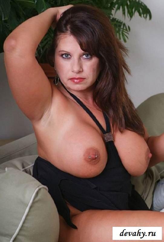 Громадное вымя эротической домохозяйки (клубничка) секс фото