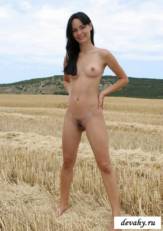 Недетская пилотка возбужденной колхозницы (порнушка) смотреть эротику