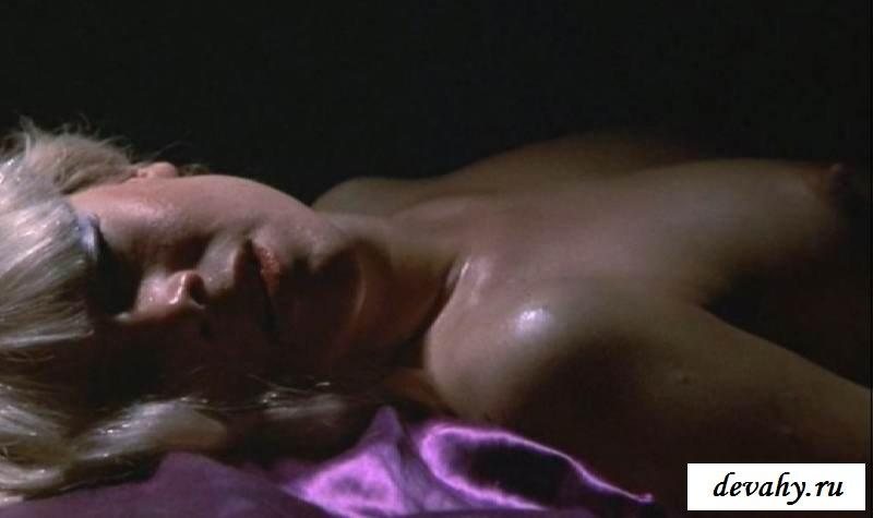 Доступная обнаженность  Кэтлин Тернер (16 интим фото)