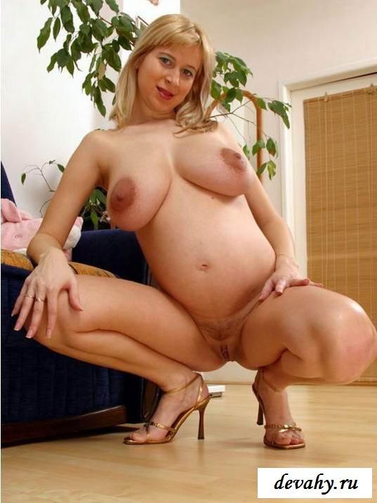 Фотосессия голых проституток на поляне (эротика) смотреть эротику