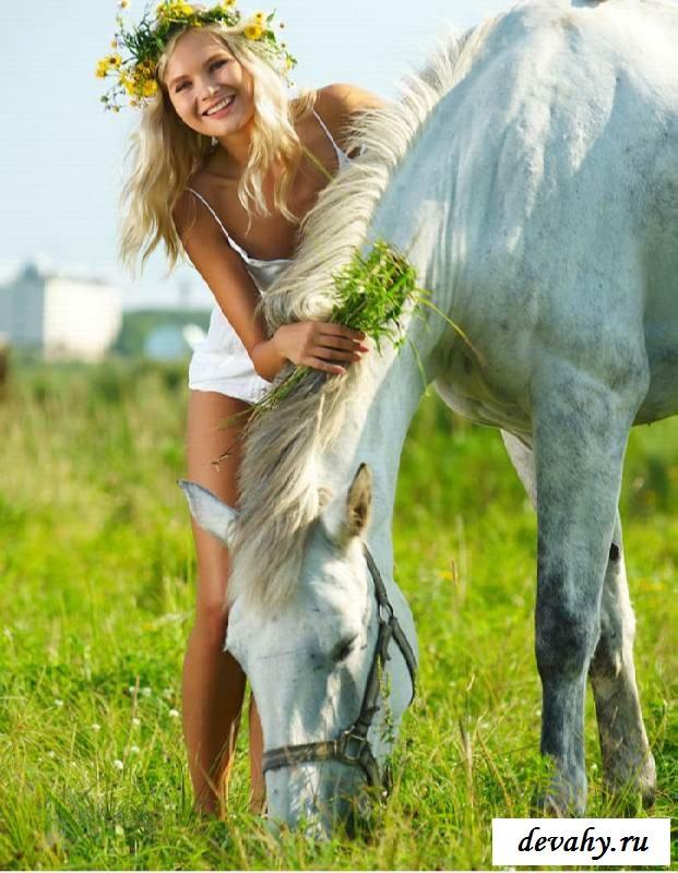 Нежные фотографии с эротичной блондинкой  (эротика)