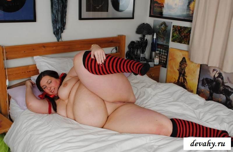 Большой вес раздетой барышни (17 фотки эротики) секс фото