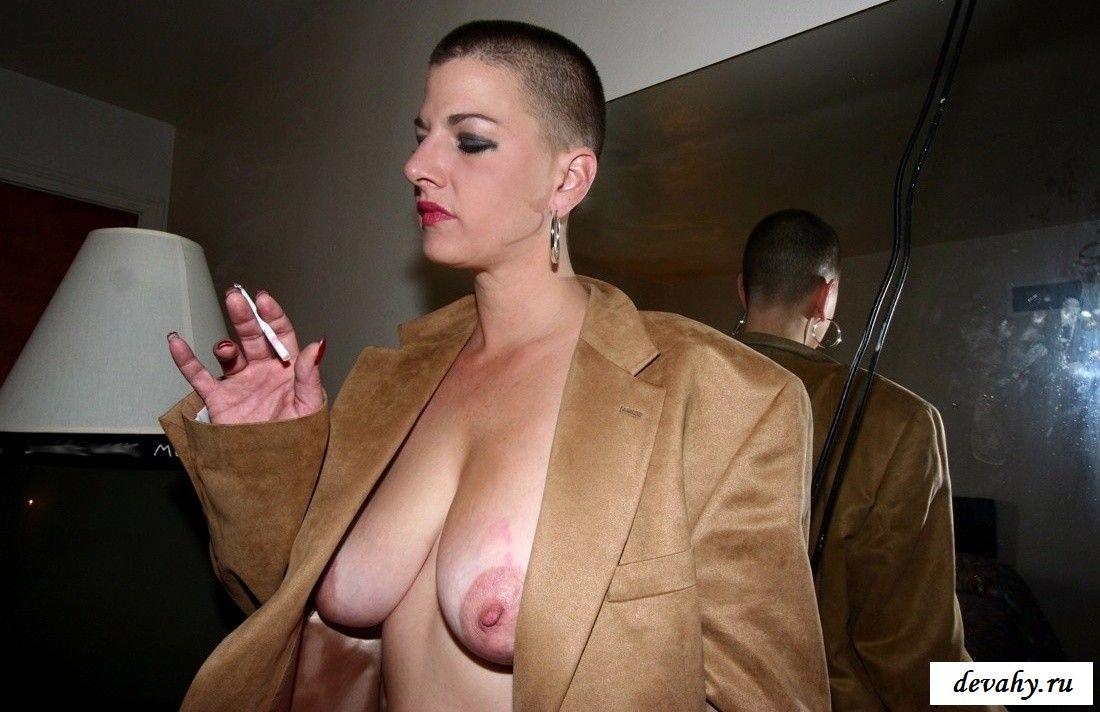 проституток метро лысая в парике эротика может это